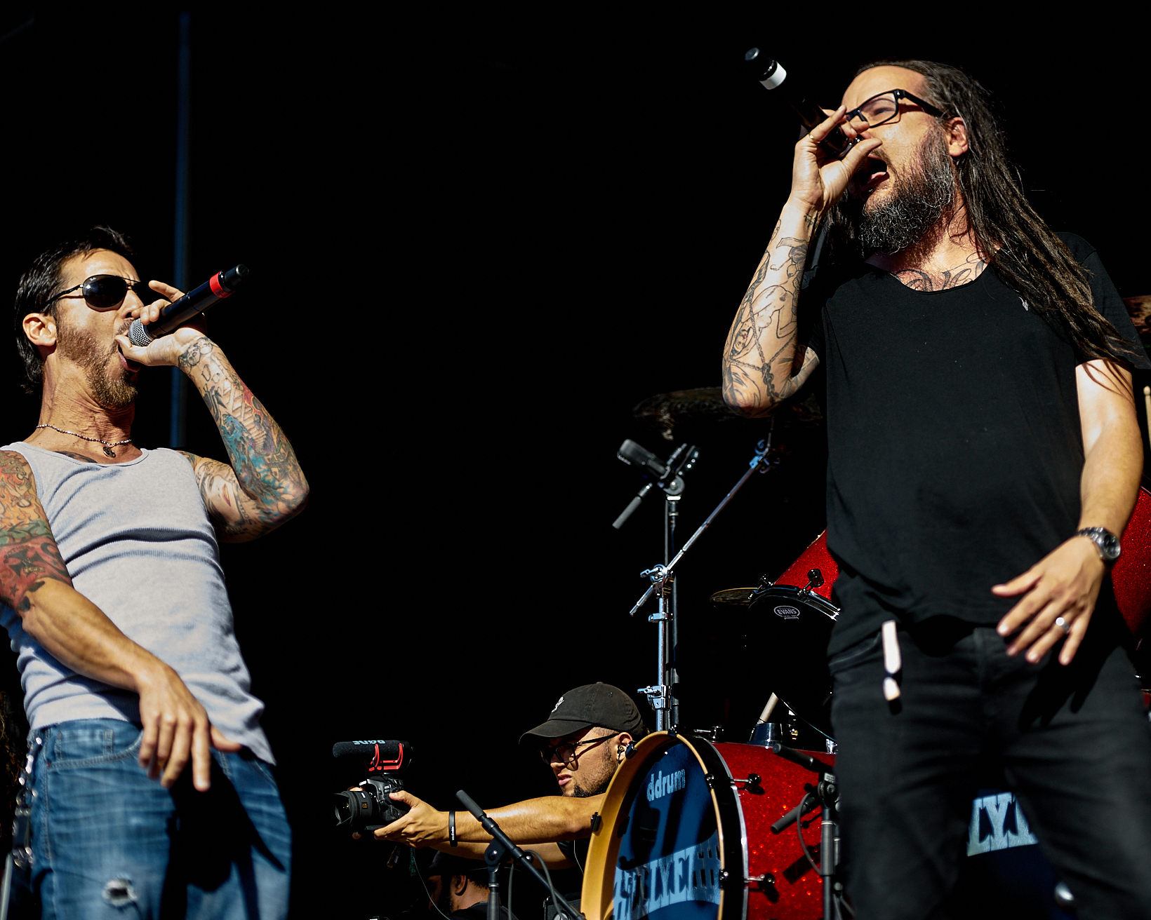 Jonathan Davis (Korn) duets with Sully Erna (Godsmack) at Aftershock 2018